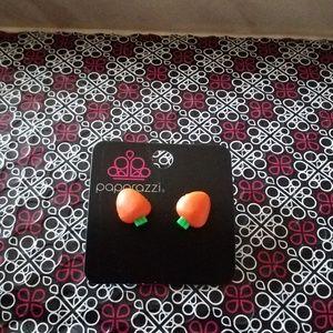 Paparazzi Girl Carrot Earrings